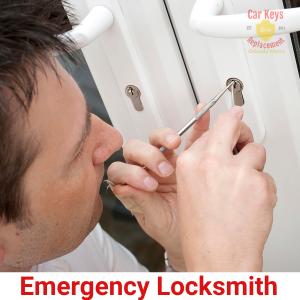 Emergency-Locksmith-Service-Car-Keys-Replacement-Orlando-Metro-407-993-1433-300x300 Orlando Metropolitan Locksmith- Car Keys Replacement Orlando Metro